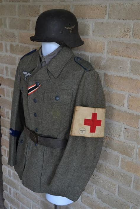 New look for an old tunic- HG M43 Medical Setup - Germany