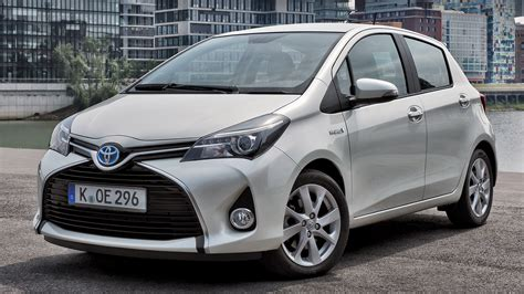 2014 Toyota Yaris Hybrid - Wallpapers and HD Images   Car